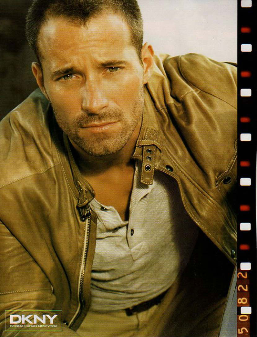 0000244-DKNY-Johnny-Messner